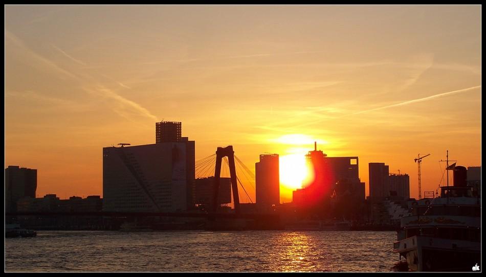 mars-sunset-willemsbrug