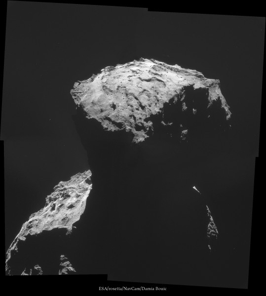 """30 Octobre 2014 - Vue sur le lobe qui abrite le site d'atterrissage de Philae. Site nommé """"Algikia"""". L'atterrisage est prévu pour 11 Novembre !"""