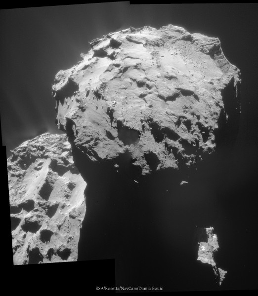 7 Décembre 2014 - Rosetta est descendue sur son orbite de 20km, se rapprochant donc de la comète. Vue sur le lobe sur lequel Philae s'est posée et a rebondi.