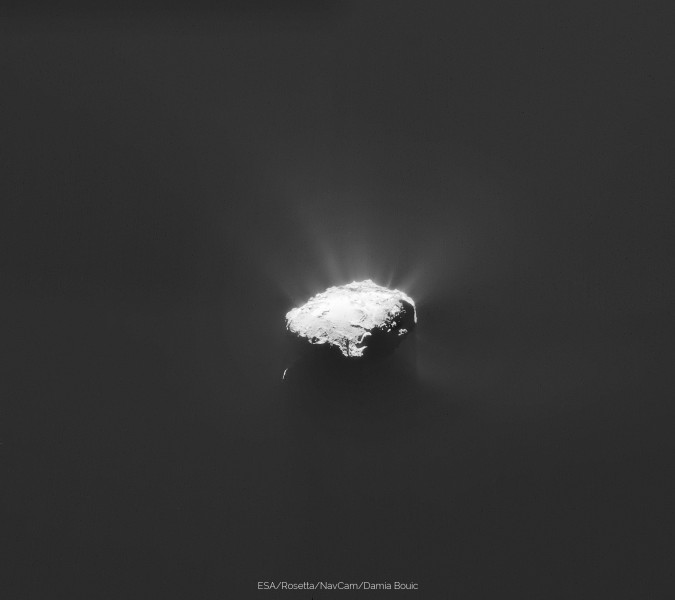 ESA_Rosetta_NavCam_20150408_pano_web